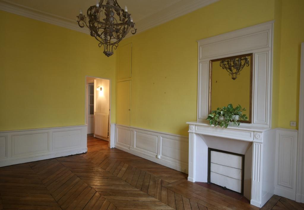 vente appartement versailles 3 pi ce s m2. Black Bedroom Furniture Sets. Home Design Ideas